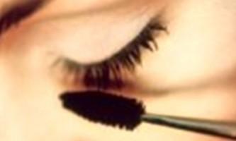 Бездоганний макіяж губ: п`ять простих кроків