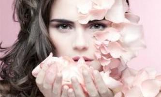 Чим зволожити шкіру обличчя влітку
