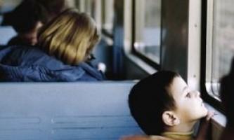 Чим зайняти дитину в дорозі?