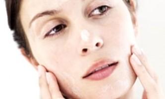 Домашні скраби для проблемної шкіри