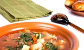 Гороховий суп без м`яса - вчимося смачною економії
