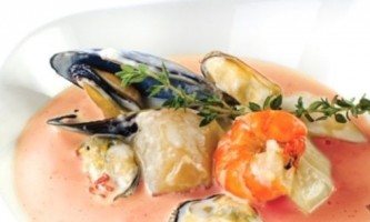 Екзотичний і ніжний крем суп з морепродуктами