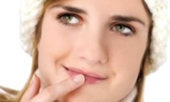 Як швидко позбутися від герпесу на губах