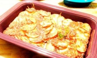 Як приготувати картопляну запіканку в духовці: 5 простих рецептів