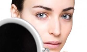 Як впоратися з алергічними висипаннями на обличчі?