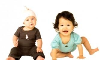 Яку річну дитячий одяг купити дитині?