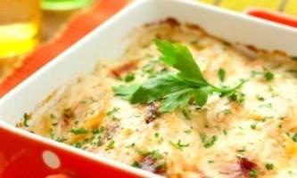 Картопляна запіканка з грибами і сиром, або і в бенкет, і в світ
