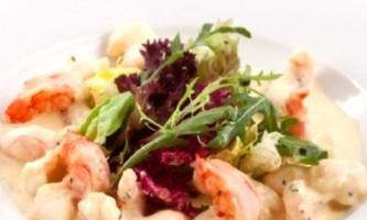 Креветки в вершково-часниковому соусі: швидко, просто, смачно