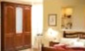 Набори меблів для спальні