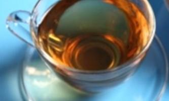Напоїть шкіру зеленим чаєм