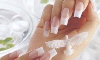 Нарощування нігтів: гель або акрил - що краще