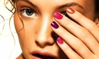 Новий модний тренд - рожеві нігті