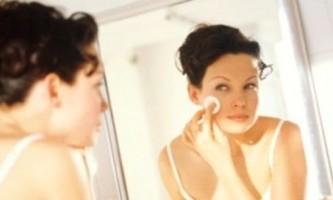 П`ять найбільш ефективних способів зняти макіяж