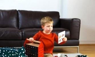 Подарунки хлопчикам на 23 лютого: кращі ідеї