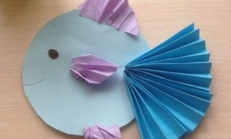 Виріб рибка з паперу