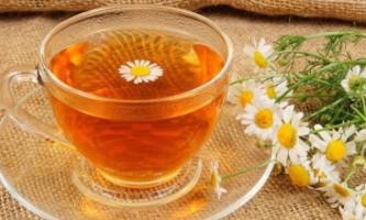 Корисні властивості чаю, настою і відвару ромашки для немовлят