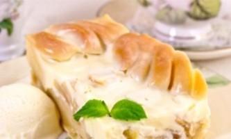 Рецепт яблучного пирога зі сметаною