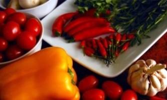 Рецепт приготування фаршированого капустою болгарського перцю на зиму
