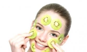 Рецепти краси: маска для обличчя з ківі