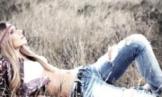 Рвані джинси своїми руками: практичне керівництво