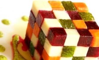 Салат з солоними огірками: кілька простих рецептів