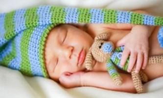 Сколько спит новонароджена дитина: вирішуємо проблеми зі сном