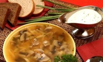 Суп гороховий з грибами: без шкоди, але з користю