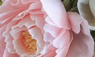 Весільні прикраси на машину - квіти з паперу та серветок