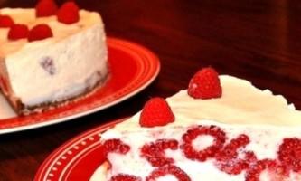 Торт з печива, з сиру, з фруктів: швидке і смачна страва