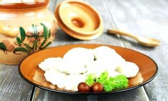 Традиційні рецепти вареників з картоплею та грибами і просто грибних