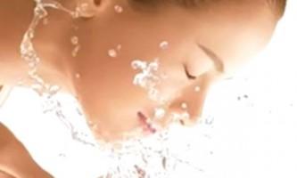 Догляд за шкірою обличчя - умивання