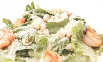 Смачний цезар з креветками: детальний рецепт і поради з приготування