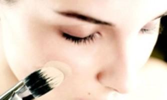Все про косметику: наносимо тональний крем